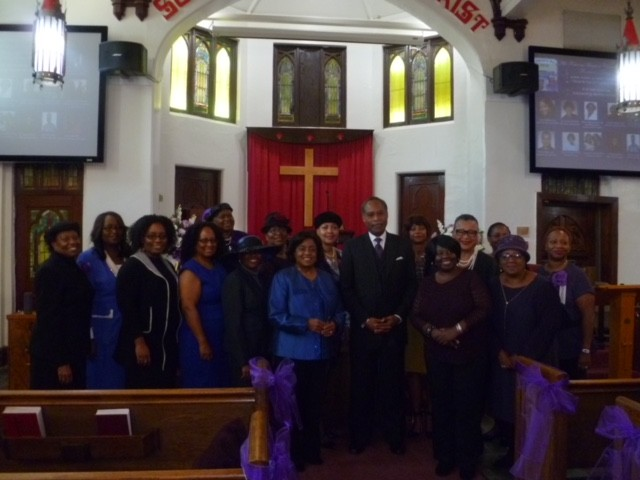 Pastor-James-Coleman-with-awardees-and-committee-members